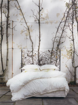 anthropologie art direction for bedding